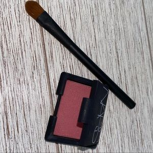 Nars mini Goulue blush and mini eyeshadow brush